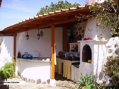 Cocina exterior en esquina barbacoas cocinas y pergolas for Cocinas en esquina