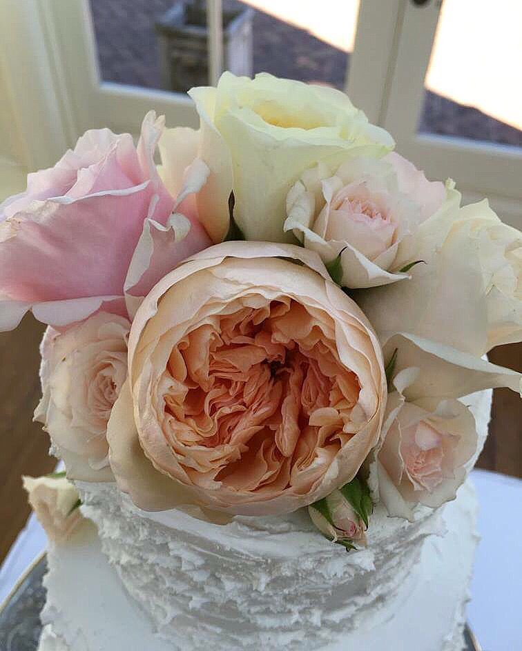 cake flowers opium wedding flowers gold coast qld australia