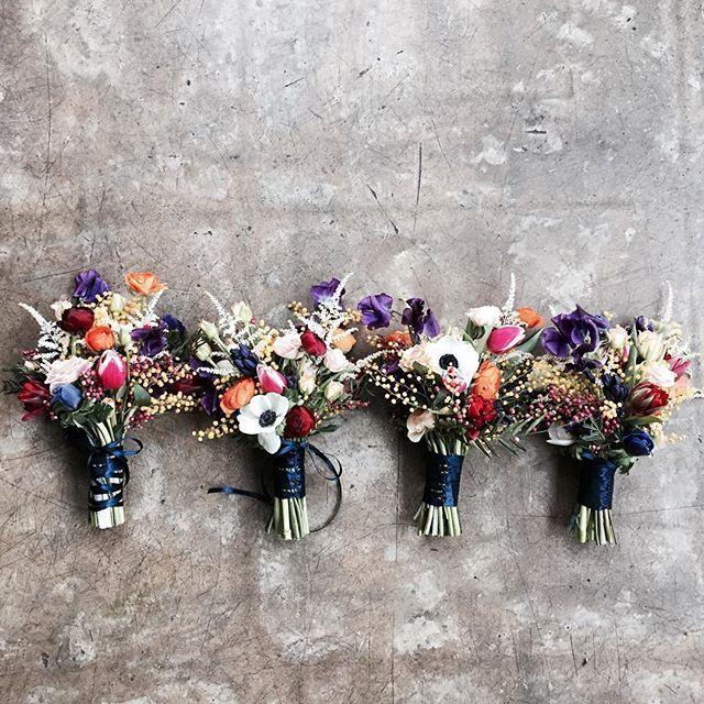 . . #부케 #4총사 . . 굠둥이 나란히 나란히 👯👯 .  #Order 👉🏻Katalk ID vaness52 WeChat ID vaness-flower E-mail vanessflower@naver.com 📞070-7522-6813 . #vanessflower #flower #florist #flowershop #handtied #flowerlesson #flowerclass #플라워 #바네스플라워 #플라워카페 #플로리스트 #꽃다발 #부케 #원데이클래스 #플로리스트학원 #플라워레슨 #플라워아카데미 #꽃수업 #꽃주문 #花 #花艺师 #花卉研究者 #花店 #花艺