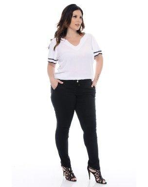 1af64bca3 Calça Skinny Bengaline Plus Size. Modelagem skinny. Calças proporcionam  conforto e liberdade. Este
