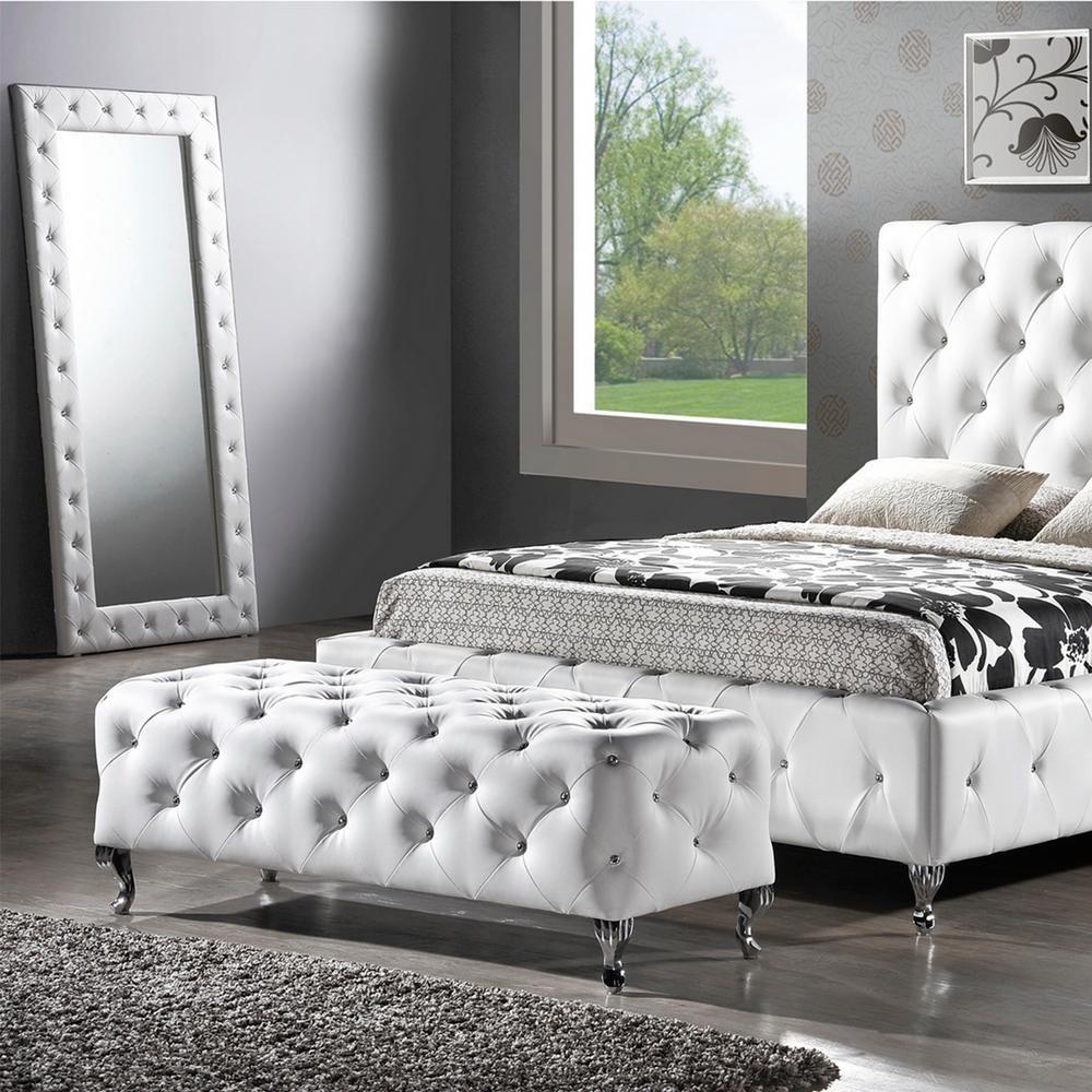 модели экспозиции кровать белая со стразами фото команда профессионалов, можем