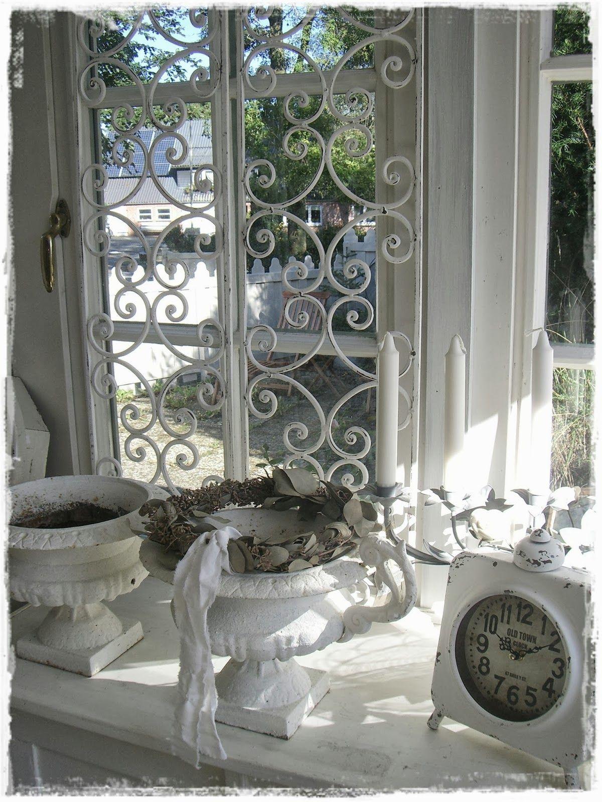 Lovely Vignette Raam Decor Pastel Interieur Raamdecoratie