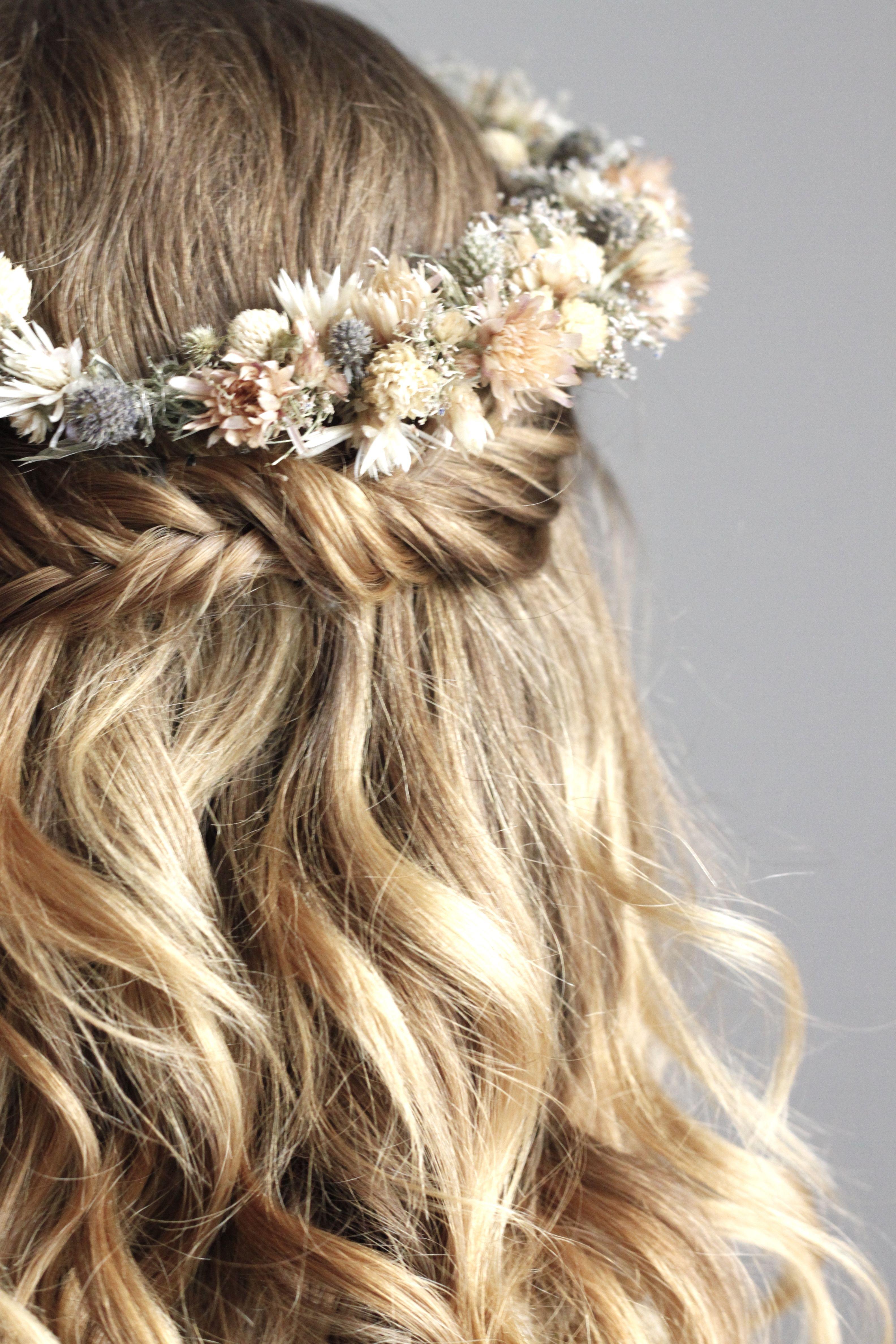 Fishtail Und Getrockneter Blumenkranz <3 Ich Liebe Es Oktoberfest