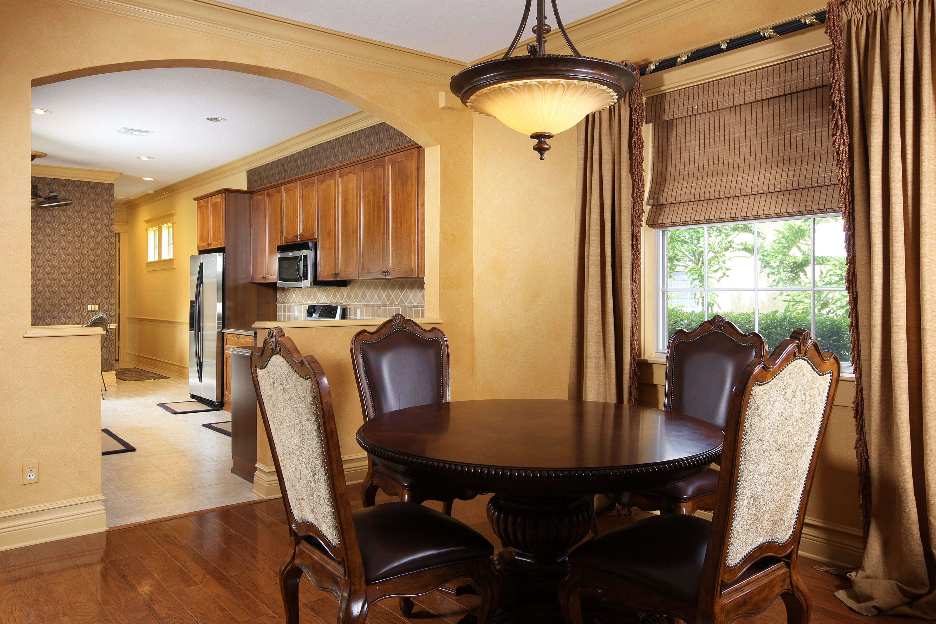 Combination dining and living room, easy to entertain in ...