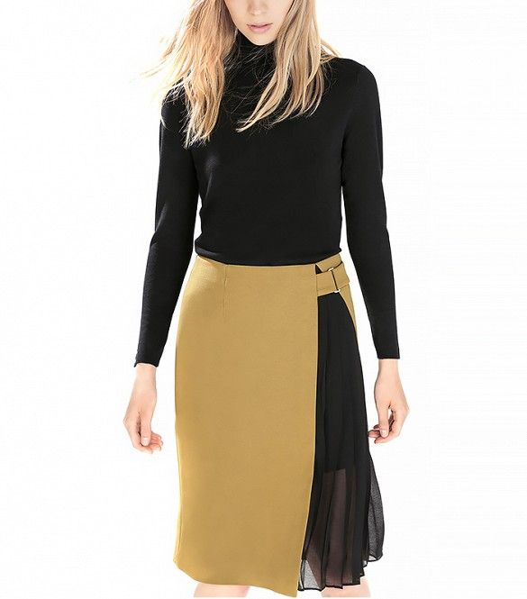 Zara Skirt With Side Pleats // Style this pleated skirt with a black turtleneck for an enviable ensemble.