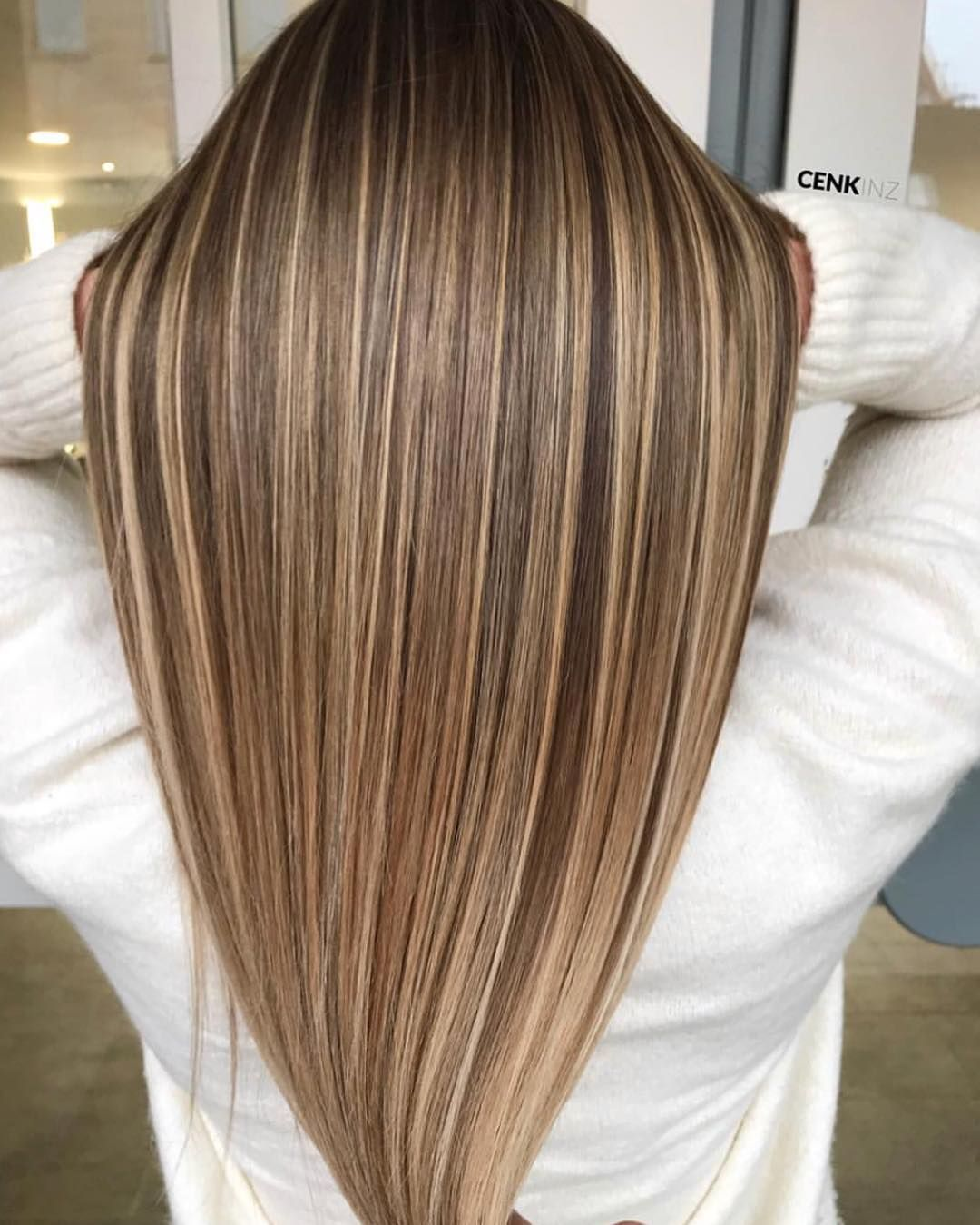 3 140 Likes 35 Comments Balayage Beautiful Hair Bestofbalayage On Instagram Straight Smooth Sil Hair Styles Straight Hairstyles Long Straight Hair