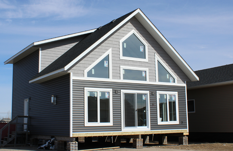 Features Amenities 1431 Sqft 3 Bedrooms 2 Bathrooms R24 Insulation In Exterior Walls Vaulted Ceiling With 10 12 Pitch In Living Room Vinyl Siding Kitchen Upgrades Outdoor Structures