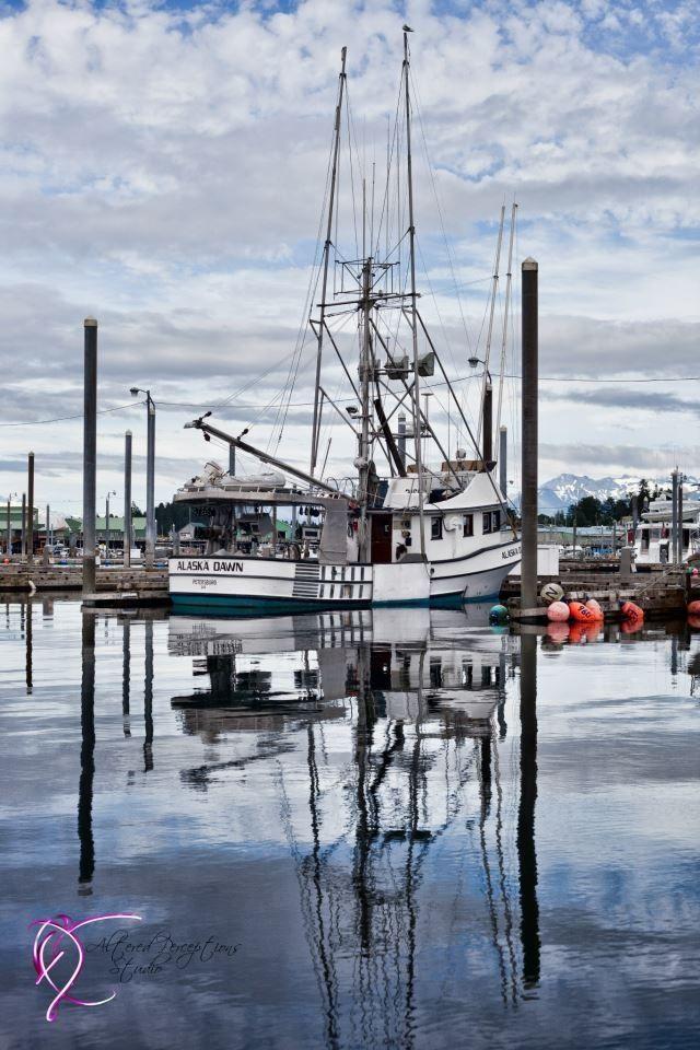 Scenic photo petersburg alaska harbor boat seascape ship for Petersburg alaska fishing