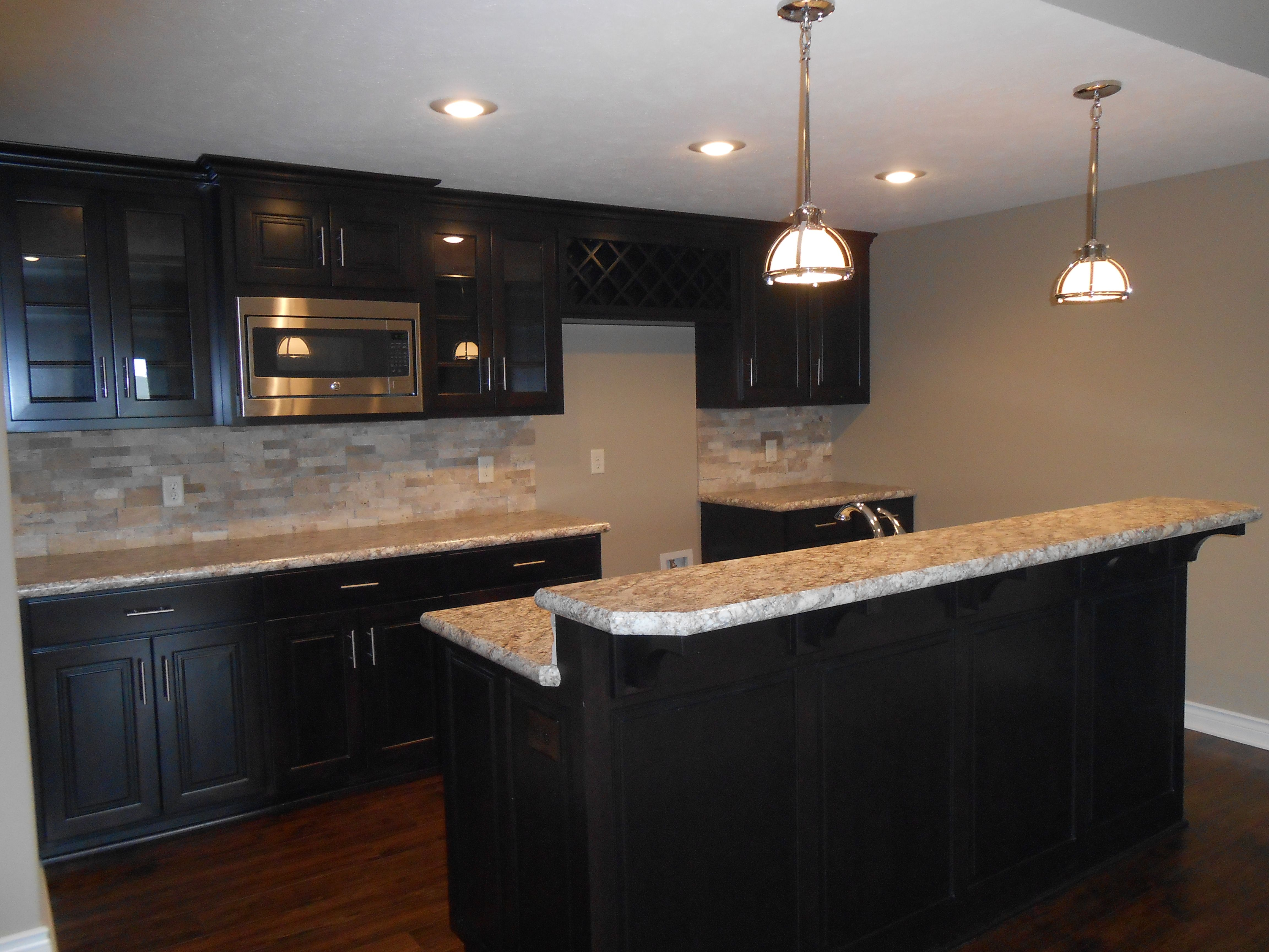 Beau Vencil Homes   Wilsonart HD #laminate On The Bar Tops. Natural Stone Ledger  Panel