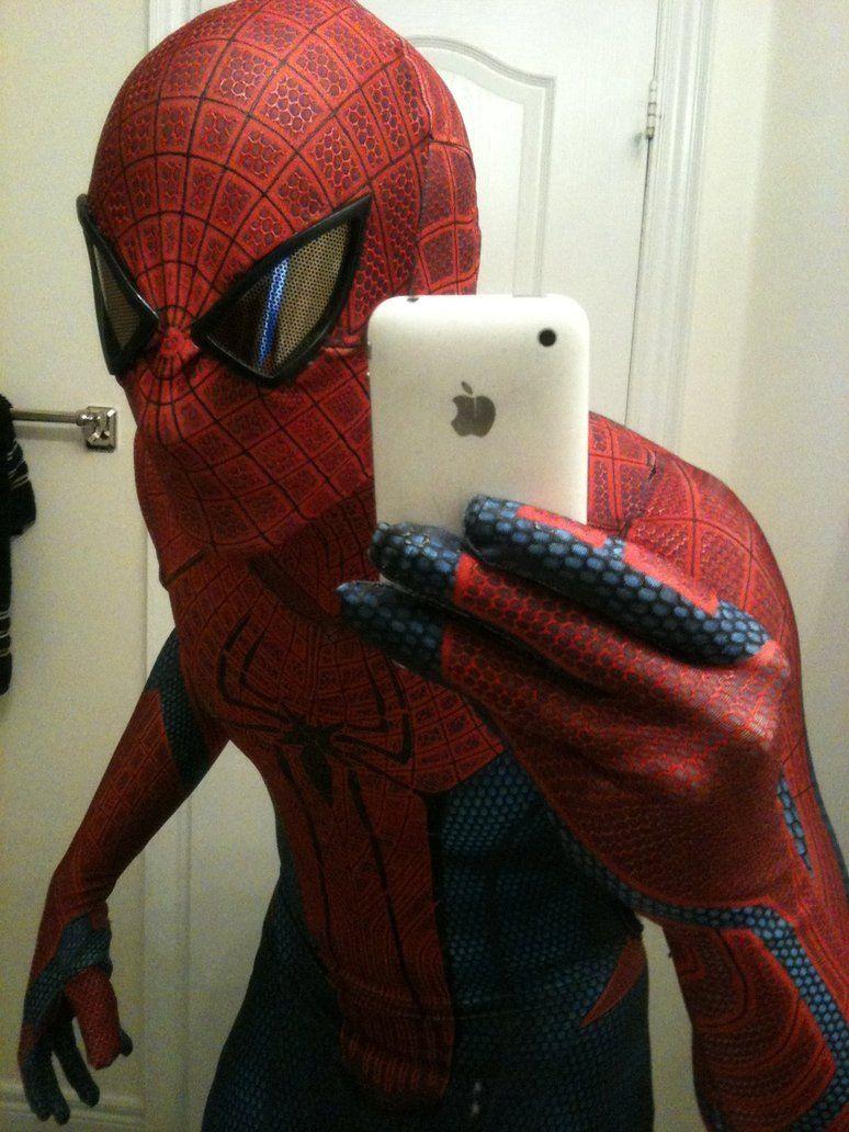 Фото человека паука на аву