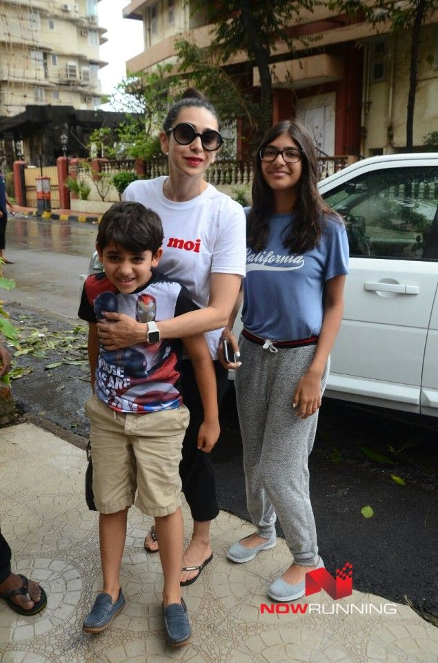 Karisma Kapoor Snapped With Her Kids Kiaan And Samaira In -8793