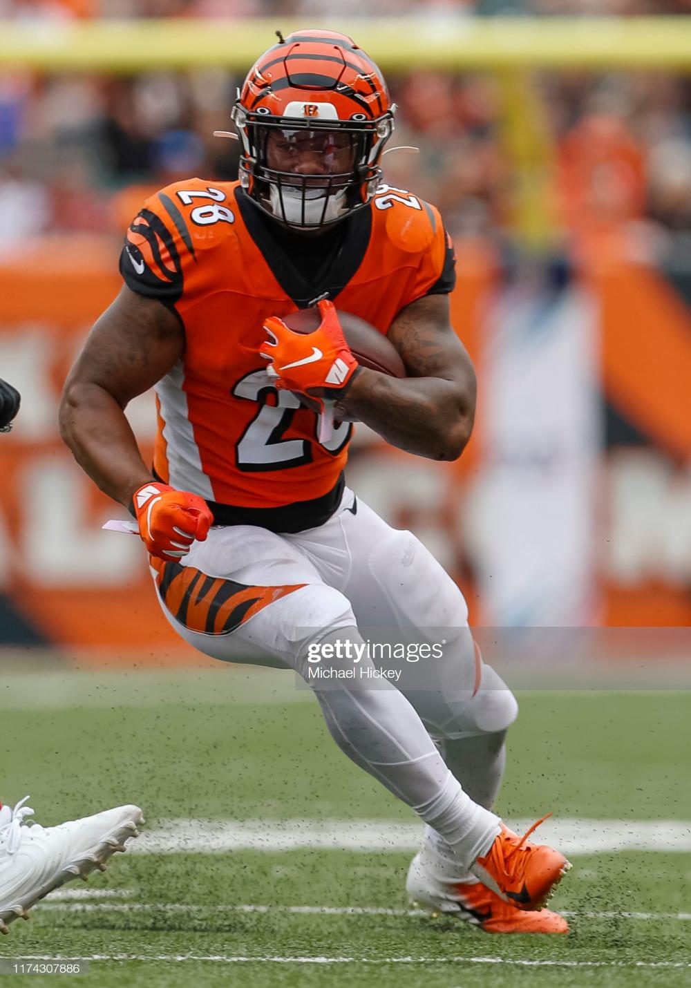 Joe Mixon of the Cincinnati Bengals runs the ball during