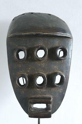 máscara africana para buzos con 6 ojos :)