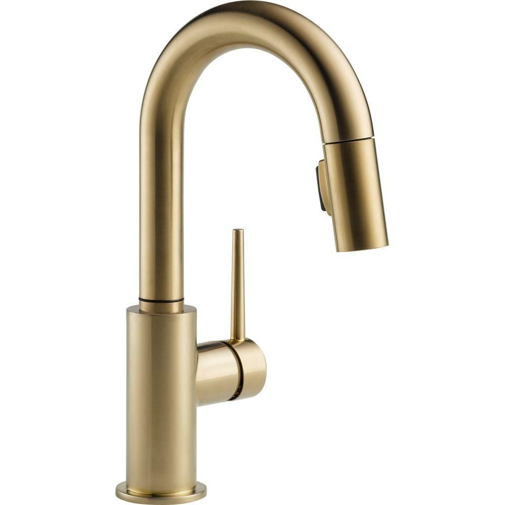Give A Royal Appearance To Your Kitchen Area By Using This Delta Trinsic  Single Handle Pull Down Sprayer Bar Faucet In Arctic Stainless.