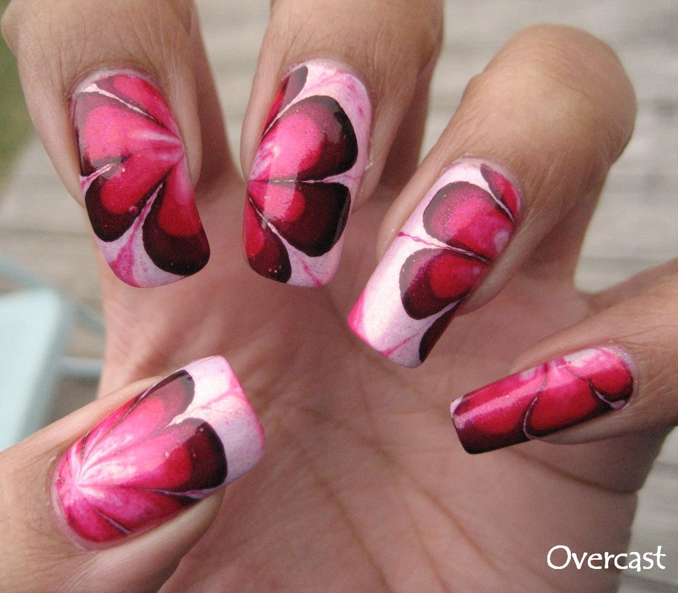 Create a Marble Nail Effect Using Water | Water marbling, Nail art ...