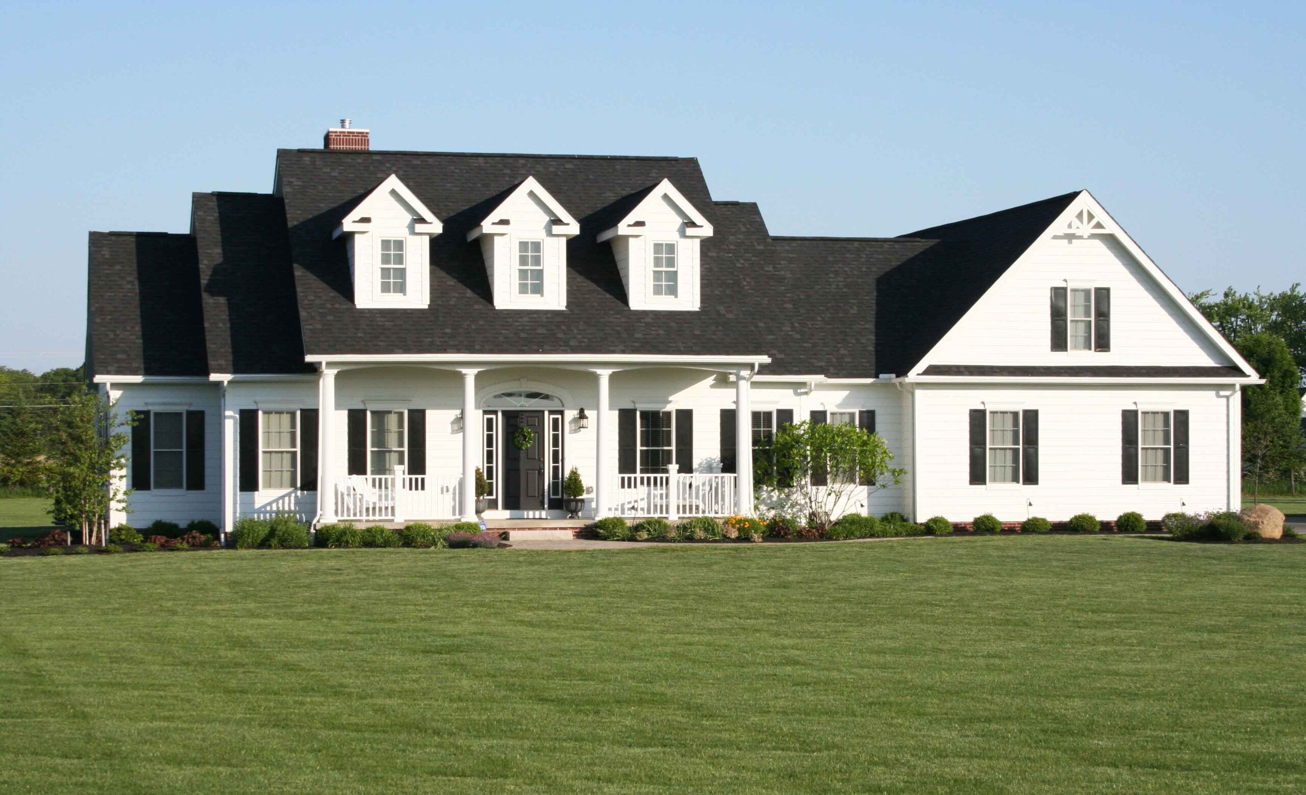 Simple Cape Cod House Plans In 2020 Cape Cod House Plans Farmhouse Style Exterior Exterior House Remodel