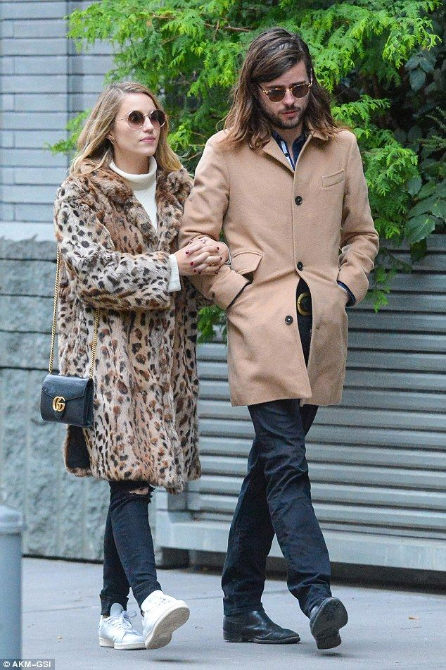 Dianna Agron enjoys a romantic stroll with new hubby ...