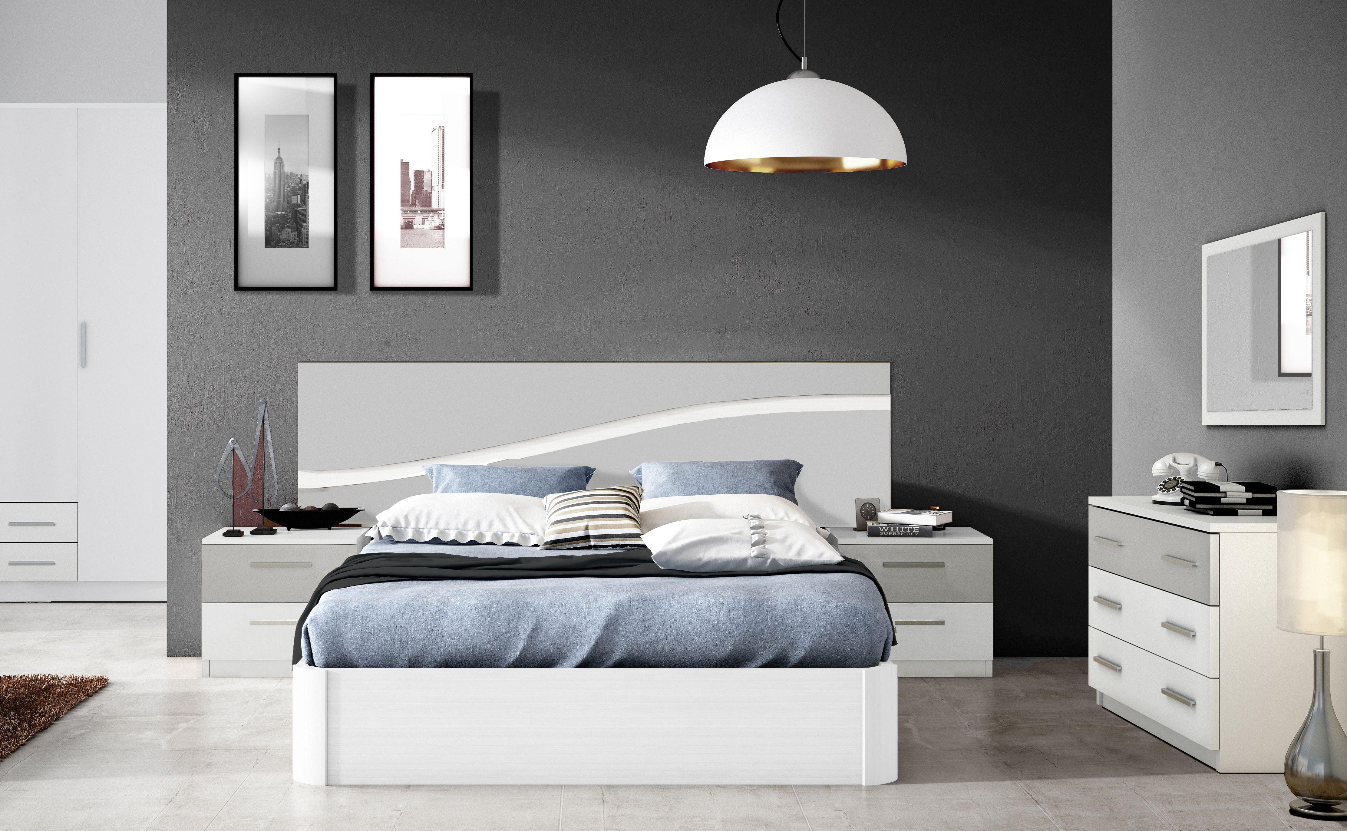 Dormitorio de matrimonio formado por cabecero, dos mesitas, cómoda y ...