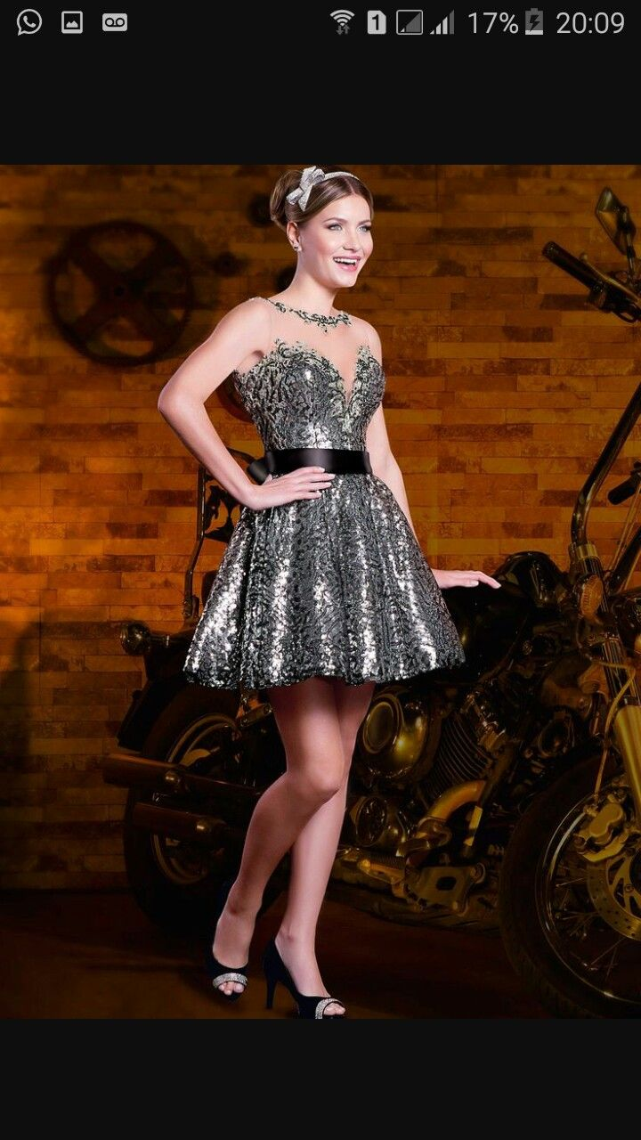 vestido com bordado dourado debutante festa luxo 15 anos