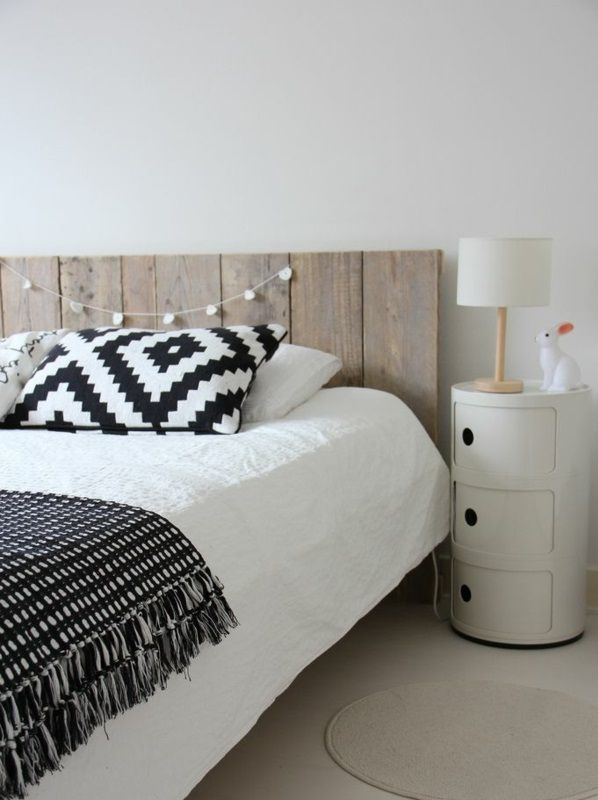 bett kopfteil modern gepolstert kissen schwarz wei. Black Bedroom Furniture Sets. Home Design Ideas