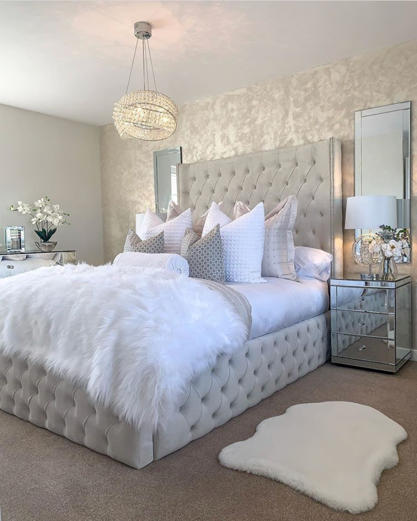 Photo of Hampton and Astley Long-Staple Egyptian Cotton Sateen Luxury Duvet Cover and Two Pillowcases, Pure White