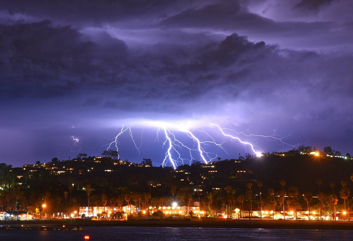 Lightning Hail And Power Outage Reports Edhat Rare Santa Barbara Lightening Storm March 5th 2019 Pictures Santa Barbara County Earth From Space