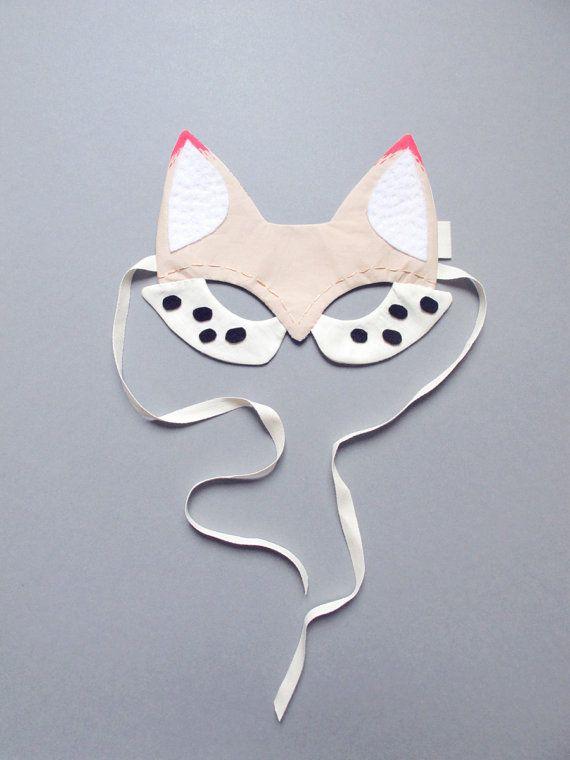 maske von fox aus wei er baumwolle mit details von lucillemichieli diy. Black Bedroom Furniture Sets. Home Design Ideas