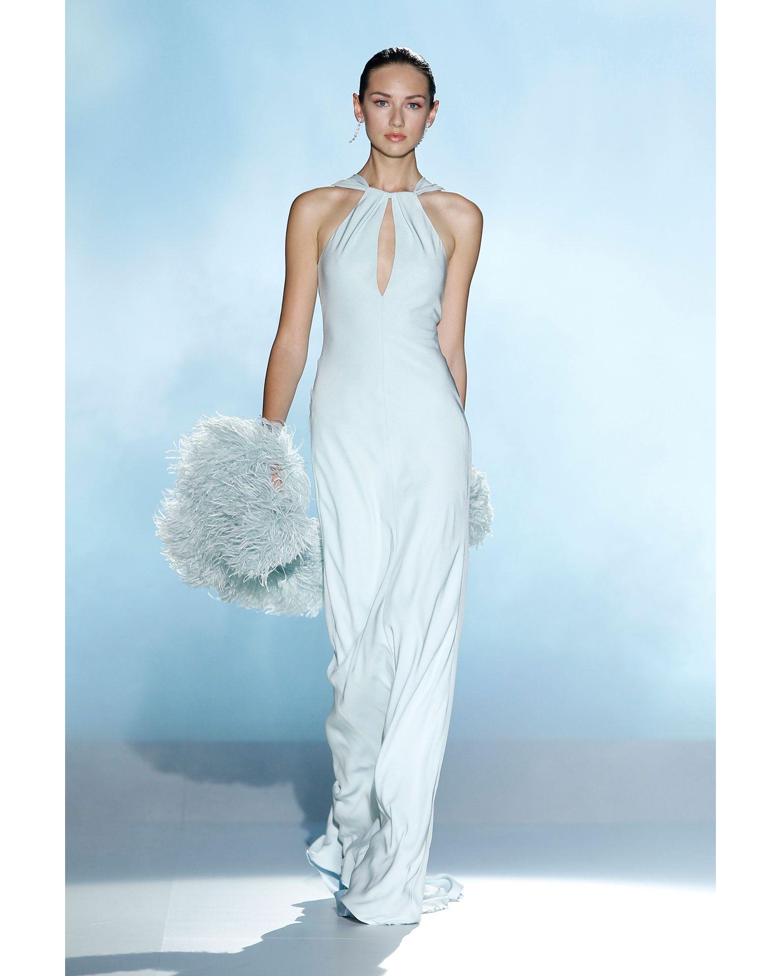 Vestidos de novia y fiesta | Boas de plumas, Colores naturales y ...