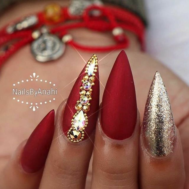 Red And Gold Glitter Nails. Matte Nails. Nails With