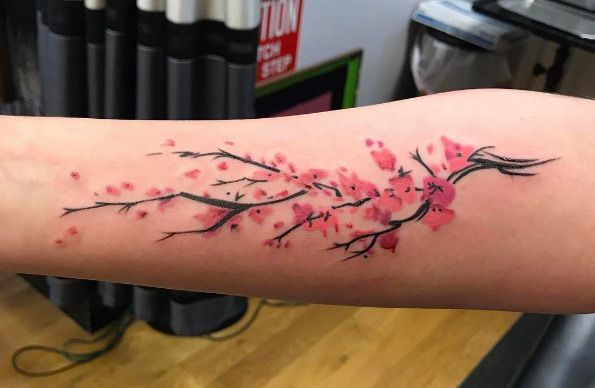 The cherry blossom is so much more than a flower. For many cultures, it's a symbol oftheir heritage. For others, a sign that spring has finally come. Whatever your view may be, there's no denying the beauty of the cherry blossom and it's exquisite pink petals. For those of you looking for a lovely floral tattoo, the cherry blossom should definitely be on your radar. Over the last year, we've scoured the internet high and low—we even sent out a fewemails to artists we know who have a…