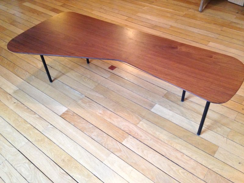Table basse Girard РKnollDim. : 150 x 55 x H. 41 cm. Teint̩ noyer ...