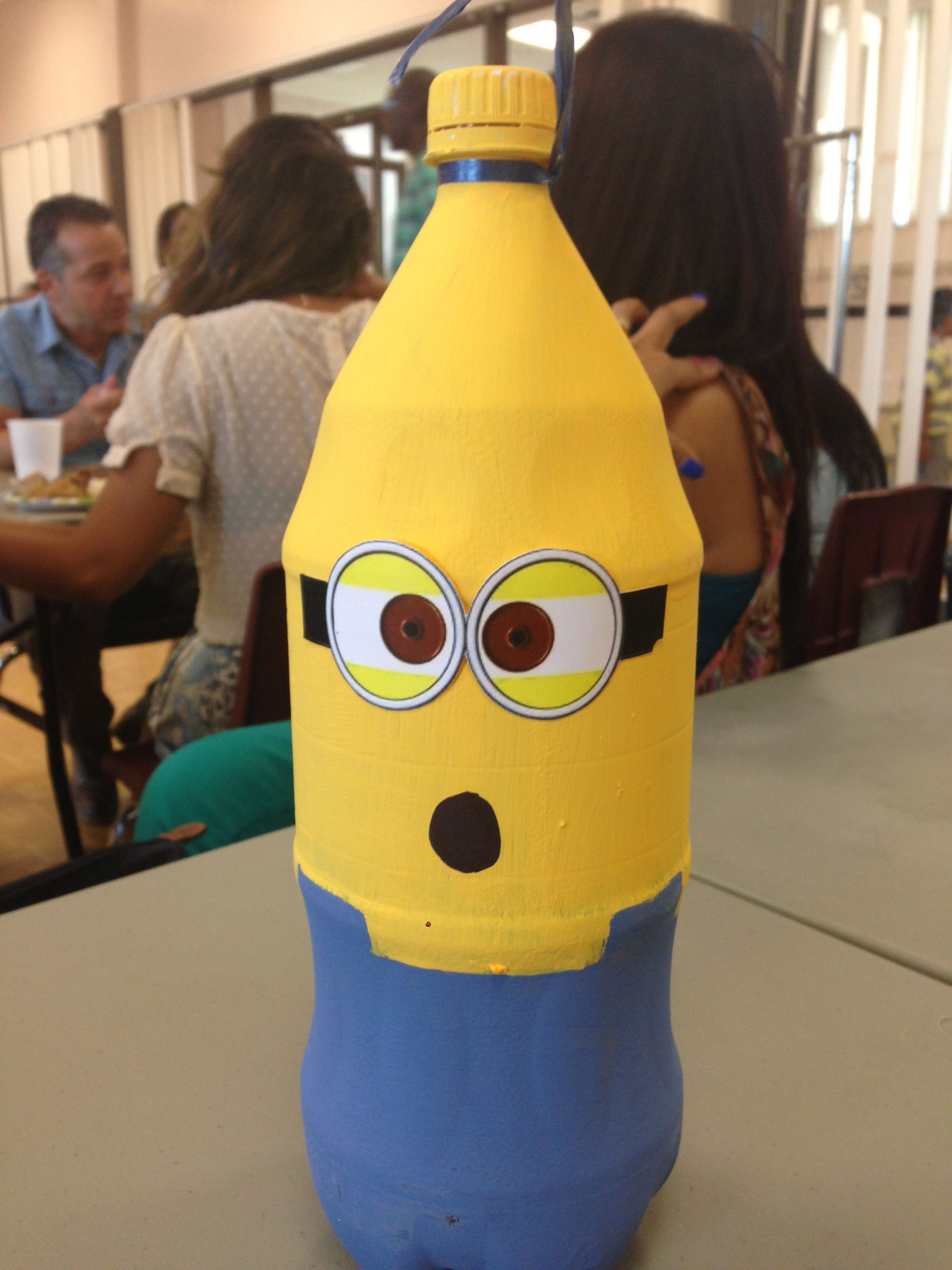 A good idea for your your bday party for despicable me theme.