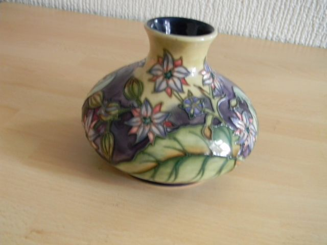 Moorcroft Vase Nice Condition With Box 4 Ins
