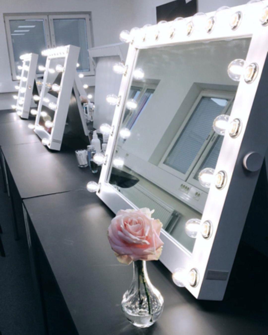 Claudia Hollywood Sminkspegel vit med 20 led lampor