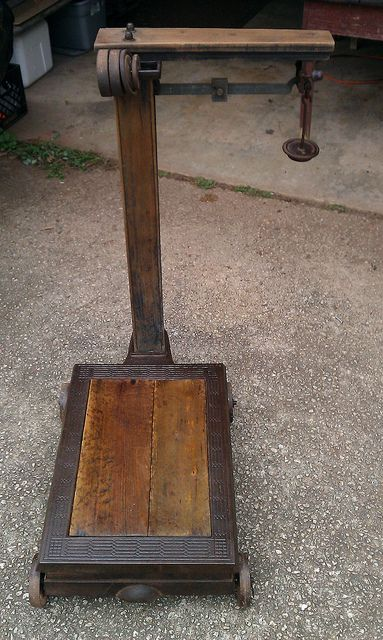 Antique Balance Feed Store Scale Antiques Old Scales Vintage Scale