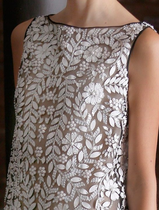 Naeem Khan SS15 look 40 - close up