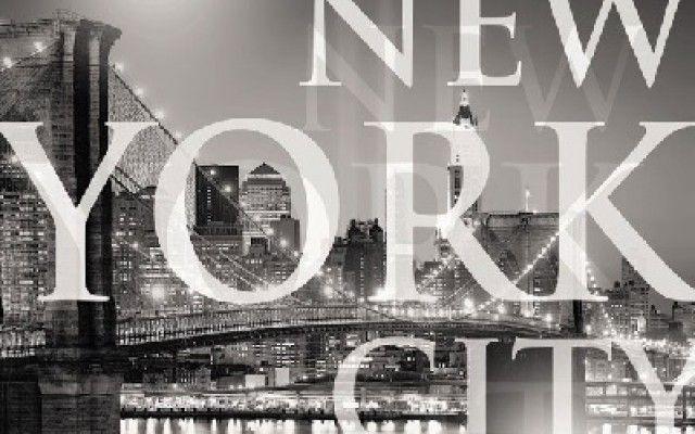New York City es el centro del área metropolitana de Nueva York, la cual está entre las cinco aglomeraciones urbanas más grandes del mundo. Nueva York está considerada como una ciudad global, dadas sus influencias a nivel mundial en los medios de comunicación, en la política, en la educación, en el entretenimiento y la moda. La influencia artística y cultural de la ciudad es de las más fuertes del país.