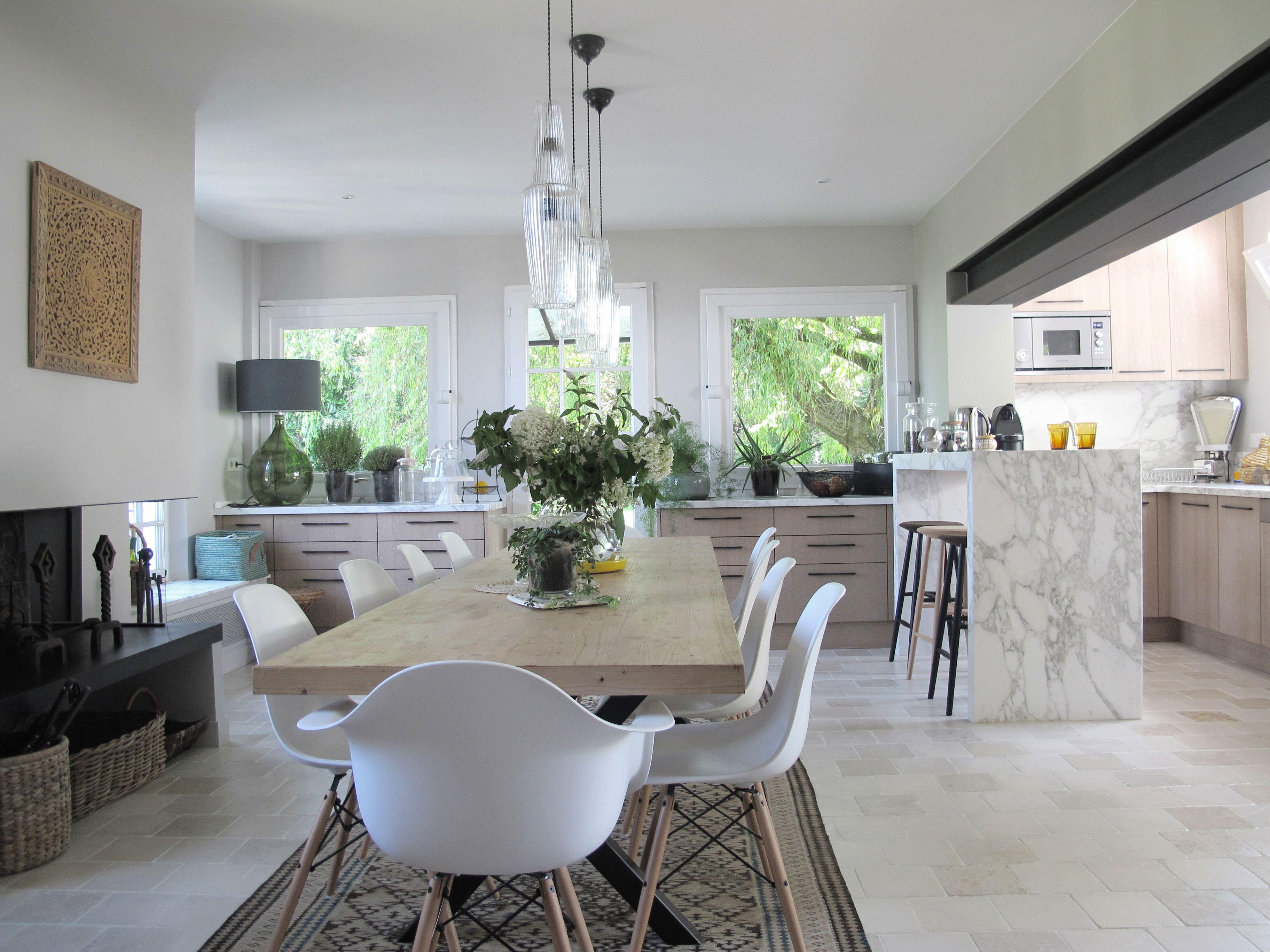 Rénovation dune maison aux alentours de paris vue ici de la cuisine en