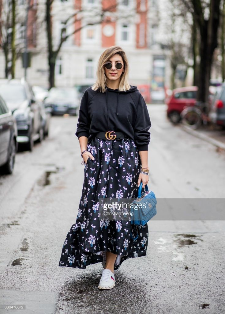 Aylin Koenig Wearing White Gucci Sneakers Blue Chanel Bag A Navy