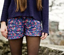 printed shorts w/ boxy sweater & tights