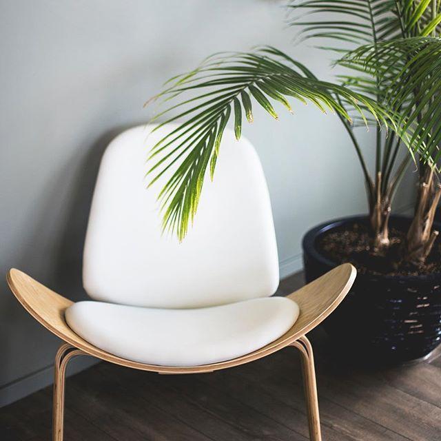 Idée Déco Du Jour Avec Cette Superbe Chaise #maisonminimaliste #minimalisme  #decoration #decorationinterieur