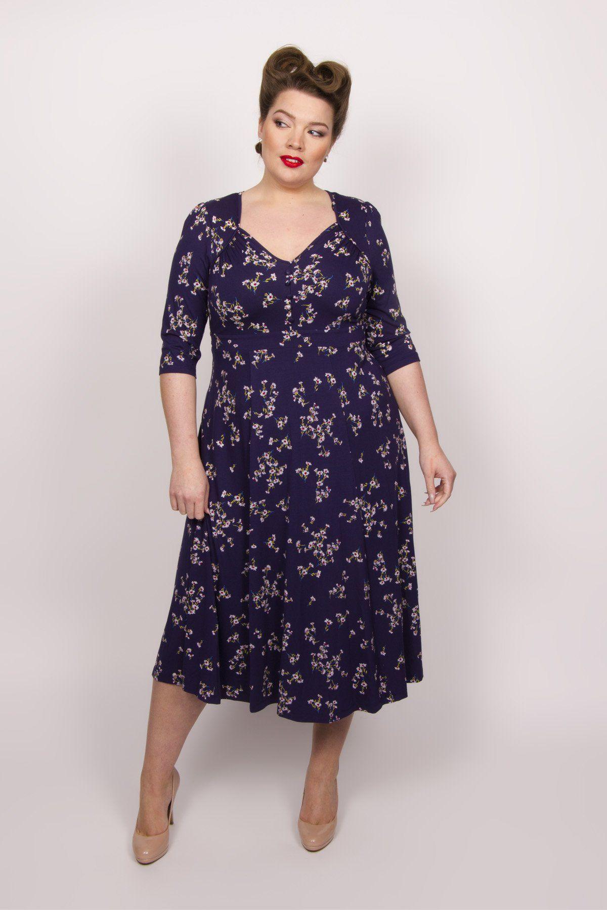 72ef3c8e36fc9 Iconic Ditsy Daisy 40 s Dress in 2018