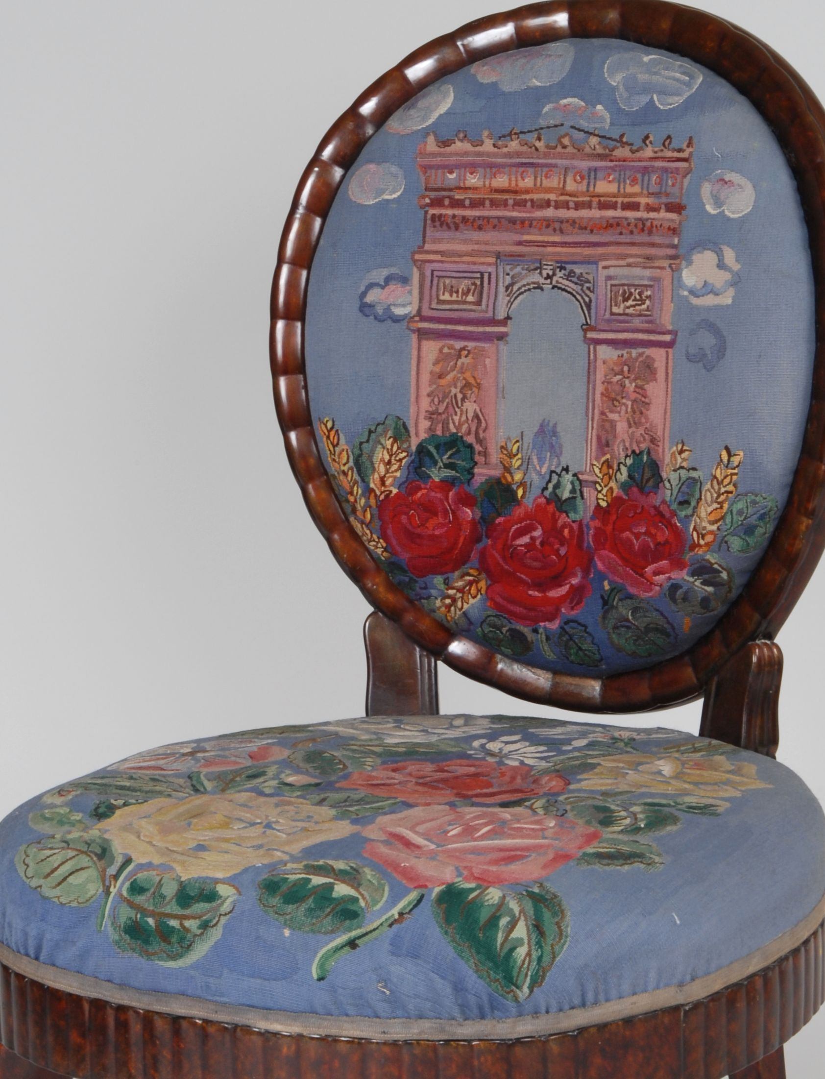 quand le mobilier r publicain faisait tapisseries style french parisian provence style. Black Bedroom Furniture Sets. Home Design Ideas