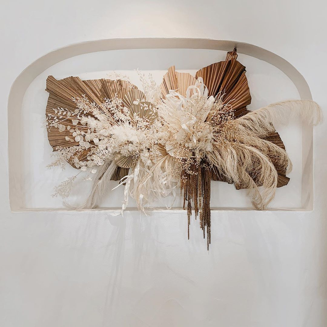 Nikau Flora On Instagram K I V A R I Dried Neutral Wall Installation For The Beautiful Ne In 2020 Dried Flower Arrangements Wall Installation Dried Flowers