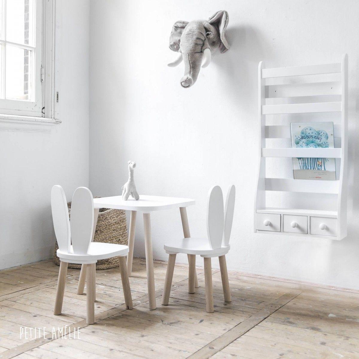 Kinderstoeltje Met Konijnenoren En Tafeltje In De Kleur Wit
