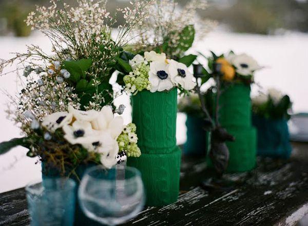 HEY LOOK: COLORFUL & COZY WINTER WEDDING INSPIRATION