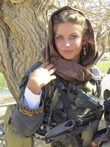 Former Eagles Cheerleader Now Stars For Army Military Girl