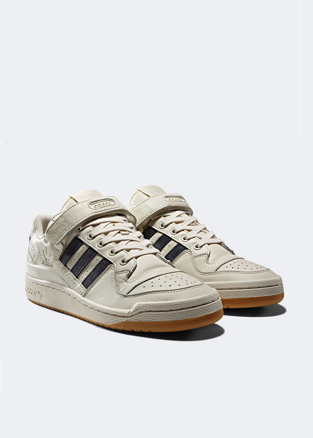 buy popular 1ec9b 97b8a Adidas Forum Low burgundy  CQ0997 - Retro Shoes