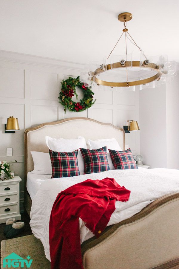 Holiday Home Tour: Classic & Festive