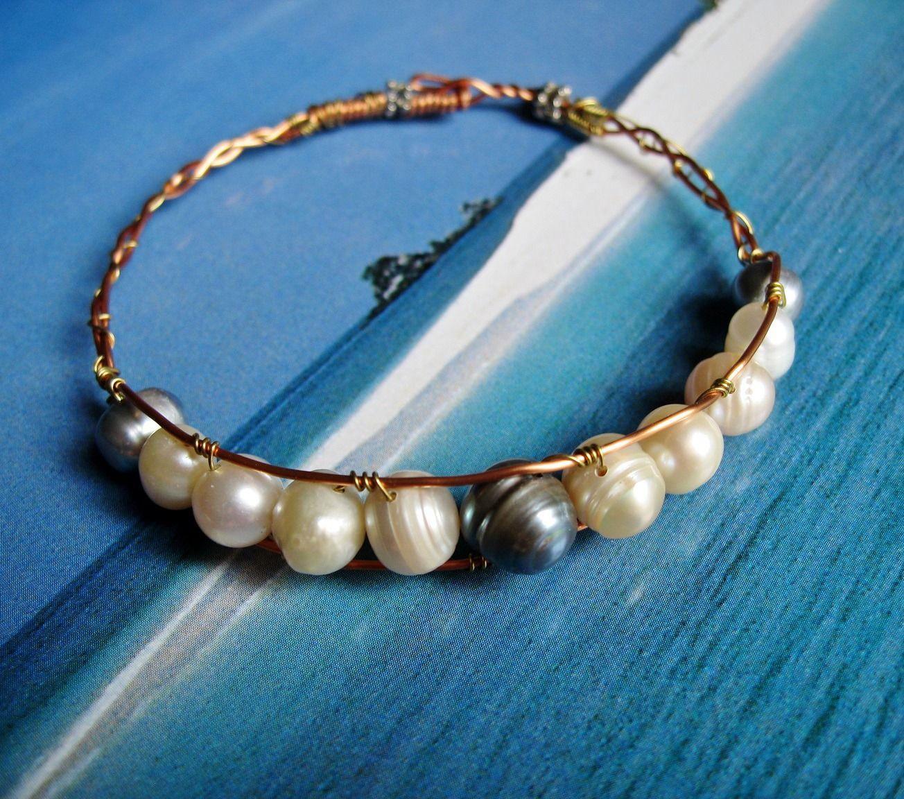 Bracelet en perles d'eau douce blanches et grises : Bracelet par patynett